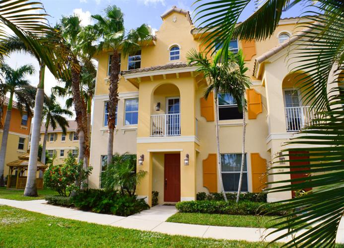 1504 Via Alferi, Boynton Beach, FL 33426