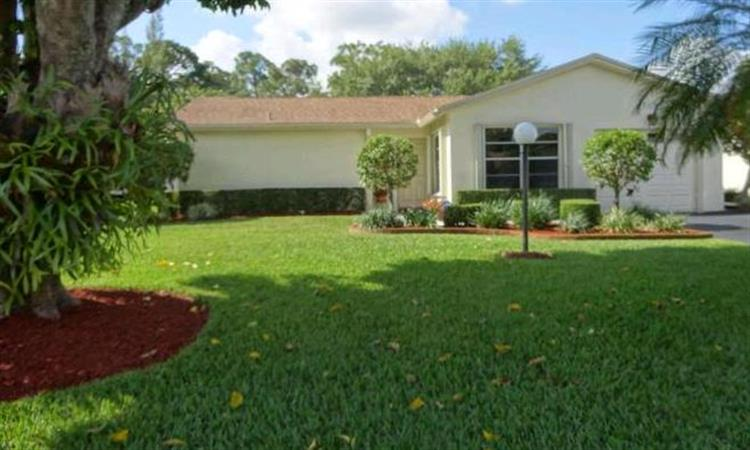 6106 Rainbow Court, Greenacres, FL 33463