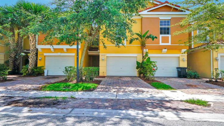 893 Pipers Cay Drive, West Palm Beach, FL 33415