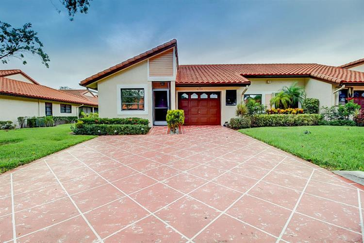 6235 Kings Gate Circle, Delray Beach, FL 33484