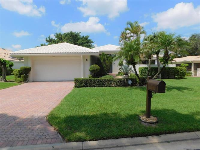 17 Hampshire Lane, Boynton Beach, FL 33436