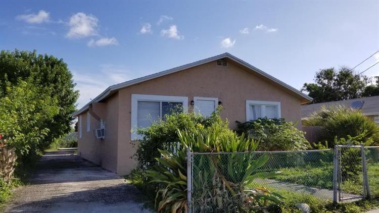 628 W 7th Street, Riviera Beach, FL 33404