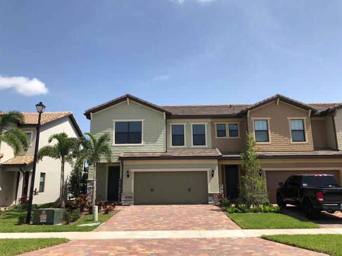 4516 San Fratello Circle, Lake Worth, FL 33467