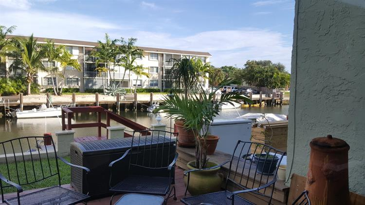 2117 NE 44 Street, Lighthouse Point, FL 33064