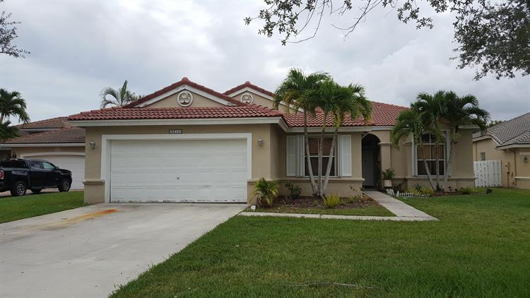 pembroke pines big and beautiful singles The second floor family living area is so spacious and open it feels more like a  single-family home than a townhome mimosa's many windows bathe the space.