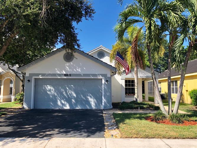 8811 Lake Park Circle, Davie, FL 33328 - Image 1