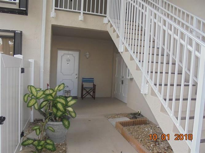 3215 S Lakeview Circle, Fort Pierce, FL 34949 - Image 1