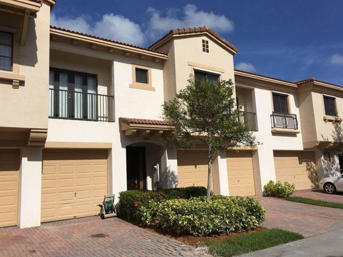 4743 N Grand Cypress Circle, Coconut Creek, FL 33073 - Image 1