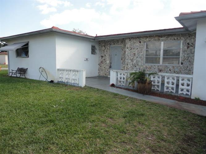 5310 NW 14th Place, Lauderhill, FL 33313