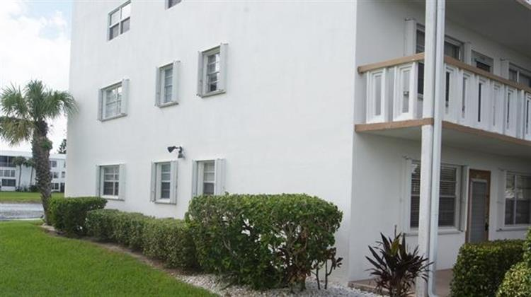 120 Wellington G, West Palm Beach, FL 33417 - Image 1