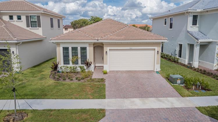 9043 NW 39th Street, Coral Springs, FL 33065