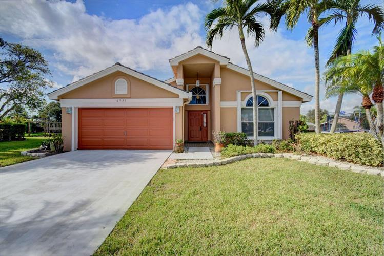 6021 Citrine Court, Boynton Beach, FL 33472