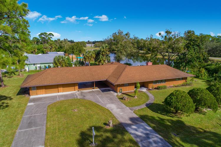 8200 Fort Walton Avenue, Fort Pierce, FL 34951 - Image 1