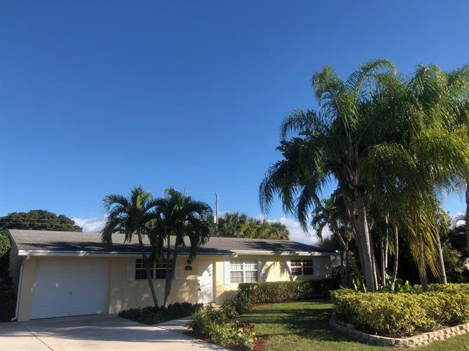 2445 S Wallen Drive, West Palm Beach, FL 33410 - Image 1