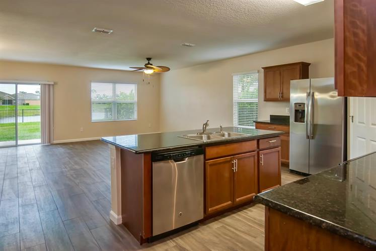 350 Lexington SW Court, Vero Beach, FL 32962 - Image 1