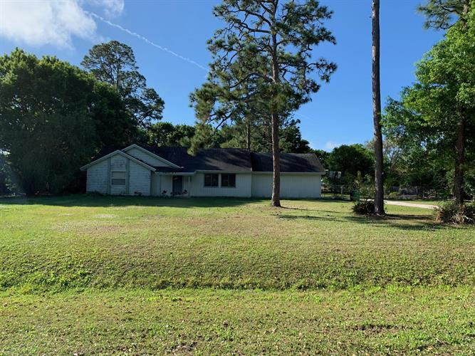 8523 Lonesome Pine Trail Trail, Fort Pierce, FL 34945 - Image 1