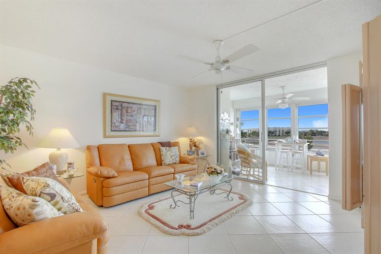 24 Abbey Lane, Delray Beach, FL 33446 - Image 1