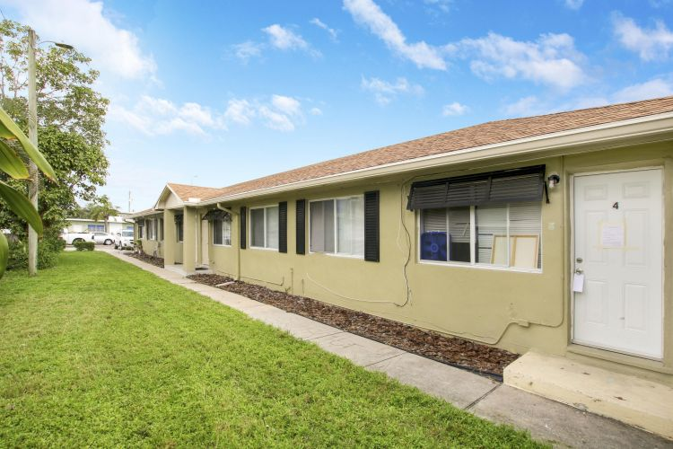 914 N J Street, Lake Worth, FL 33460 - Image 1