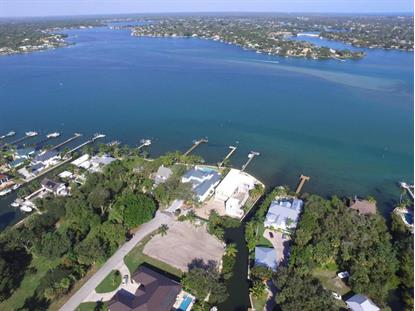946 Turner Quay  Jupiter, FL MLS# RX-10356453