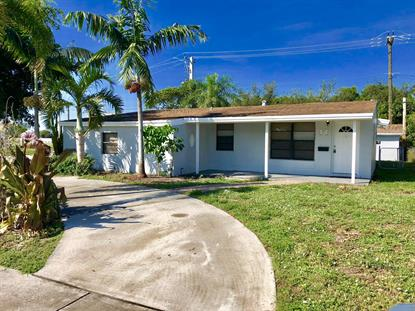 520 SW 15th Terrace Delray Beach, FL MLS# RX-10472382