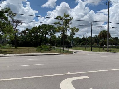 23/24 Meadowgreen Trail  Lake Worth, FL MLS# RX-10640296
