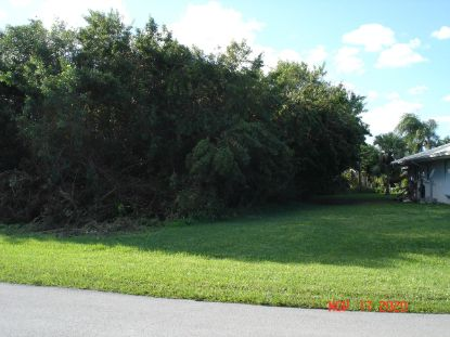 1257 SE Cambridge Drive Port Saint Lucie, FL MLS# RX-10671911