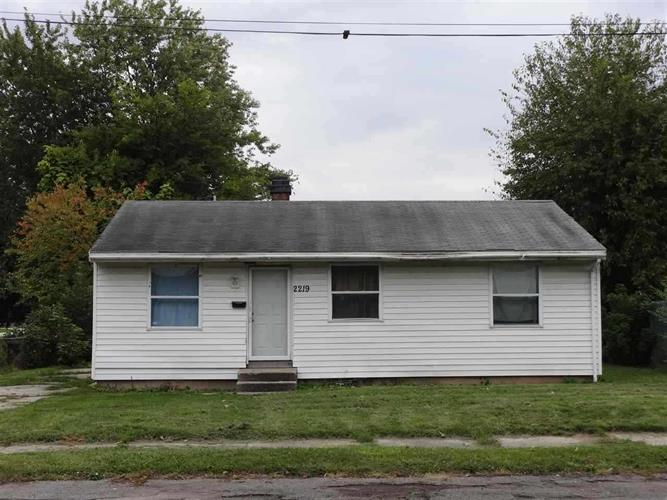 2219 Pershing Street, South Bend, IN 46628
