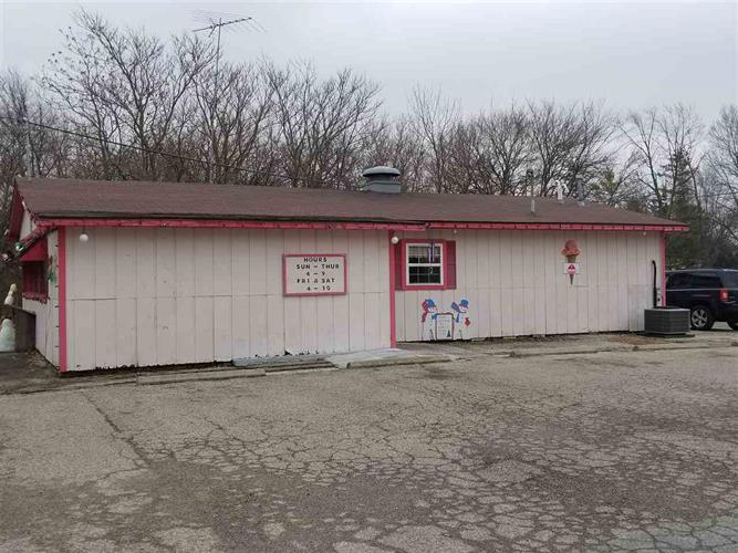 824 N Mill Street, Fairmount, IN 46928 - Image 1