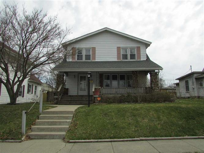 1914 Catalpa, South Bend, IN 46613