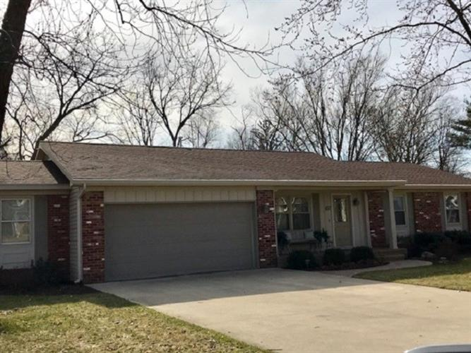 637 Crown Hill Dr, Wabash, IN 46992