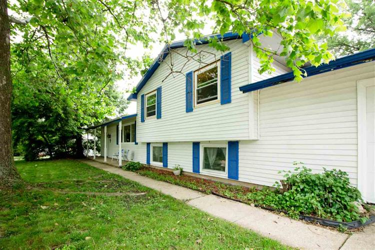 18135 Heatherfield, South Bend, IN 46637