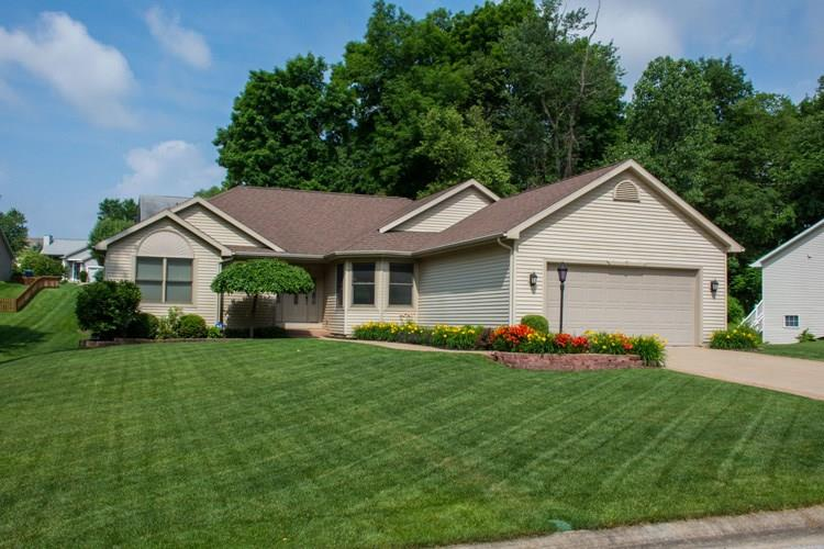 52885 Hollow Trail, South Bend, IN 46628