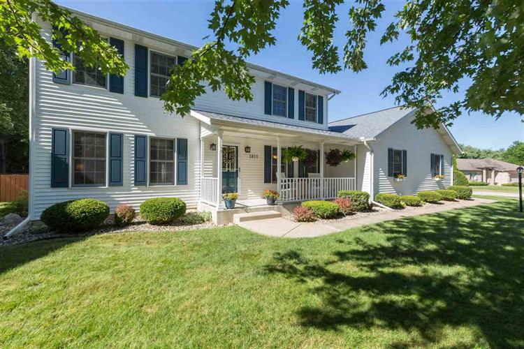 1811 Lilac Trails Court, South Bend, IN 46628