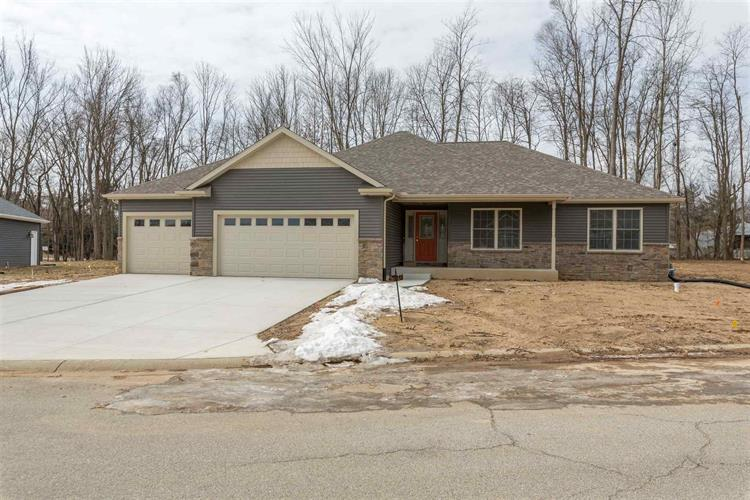 50941 Forest Lake Trail, South Bend, IN 46628