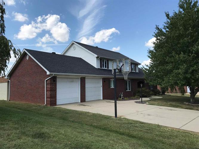 905 Mohawk Drive, Fort Branch, IN 47648 - Image 1