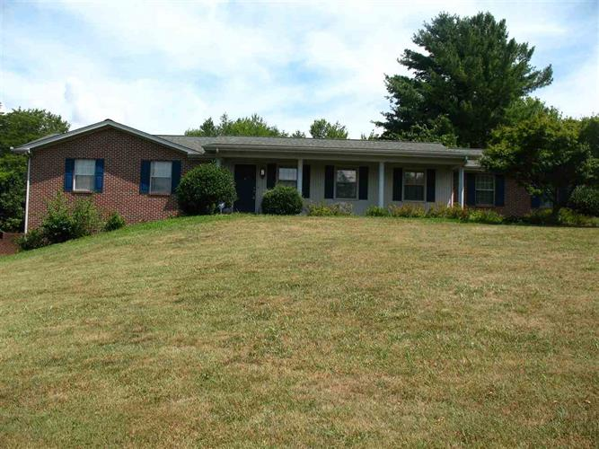 1569 Laurel Hills Circle, Jefferson City, TN 37760