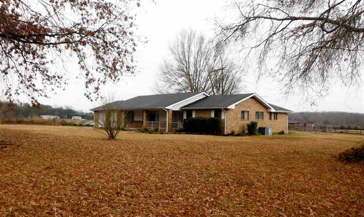 1439 Woods Ridge, Dandridge, TN 37725