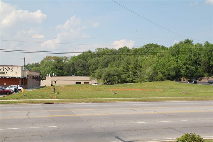 1826 W Andrew Johnson Hwy, Morristown, TN 37814