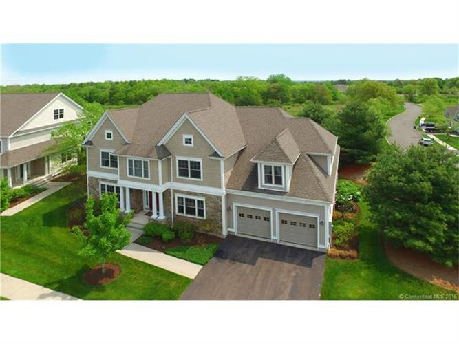 2 Muirfield Ln, Bloomfield, CT 06002