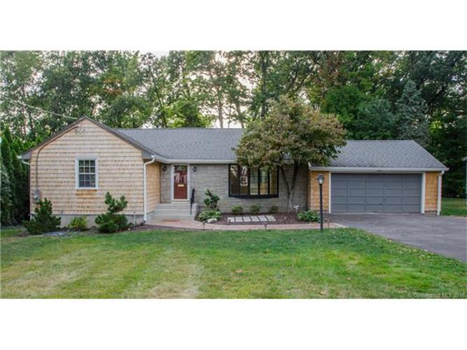 205 Ridgewood Rd, West Hartford, CT 06107