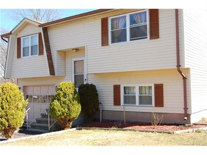 240 Cartpath Dr, Meriden, CT 06450