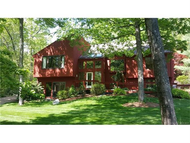 23 Redwood Ln, Glastonbury, CT 06073