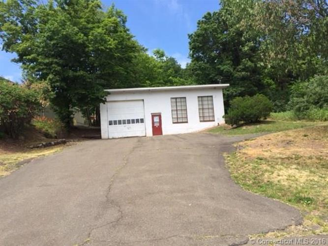 90 State St, North Haven, CT 06473