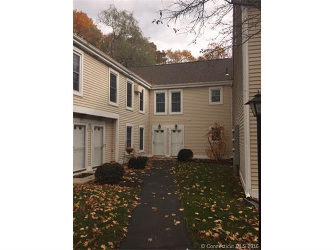54 Rope Ferry Rd #I-144, Waterford, CT 06385