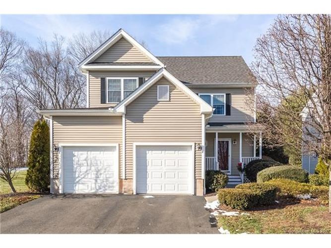 14 Hickory Ct, Wallingford, CT 06492