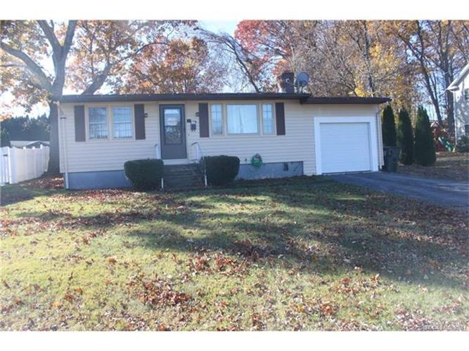 22 Evelyn St, Watertown, CT 06779