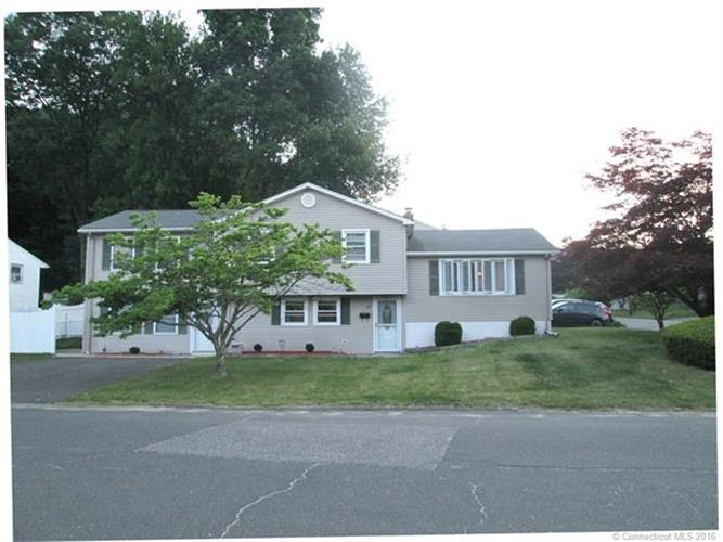 79 Old Colony Dr, Waterbury, CT 06708