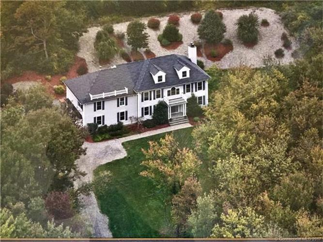 155 Breezy Knoll Dr, Watertown, CT 06795