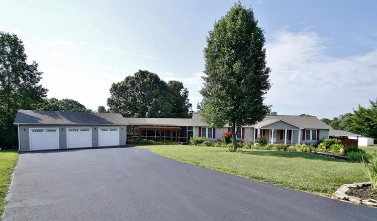 331 Browns Point DR, Moneta, VA 24121