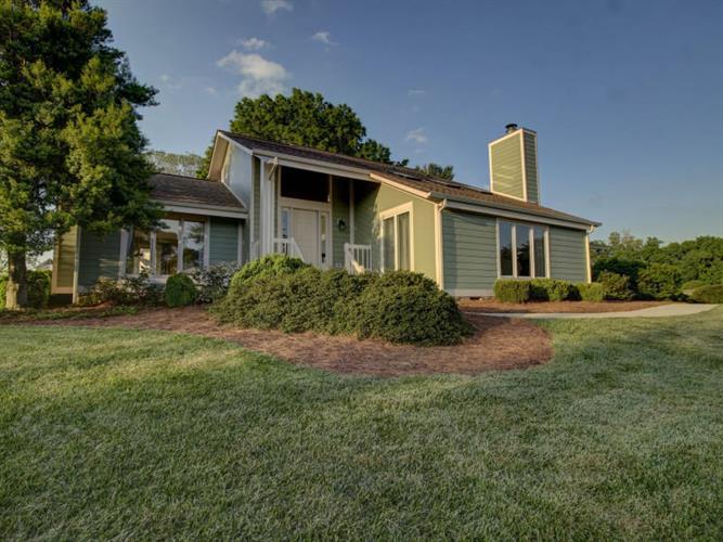 60 Shoreline CIR, Penhook VA 24137 For Sale, MLS # 836784 ...
